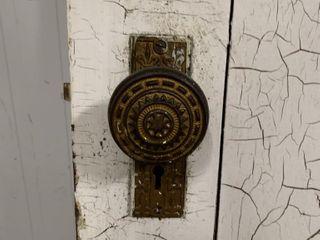 ANTIQUE DOOR WITH ARTISANAl KNOB 32 X79