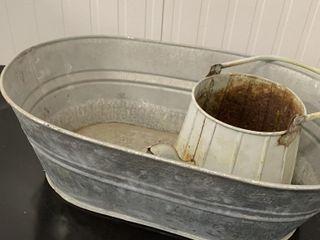 lARGE TIN BUCKET   TIN WATERING CAN