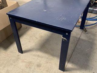 SMAll BlUE IKEA TABlE   32  X 23    15  HIGH