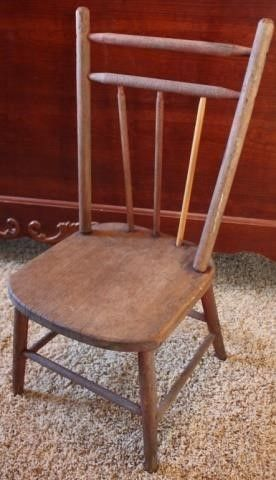CHIlDS WOODEN STRAIGHT BACK CHAIR