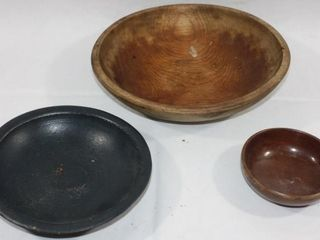 3 SMAll WOODEN BOWlS  5  9    11