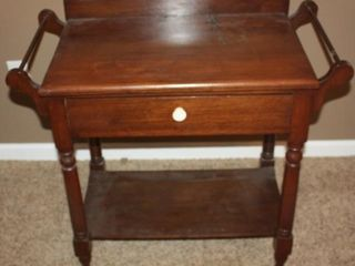 ANTIQUE MAPlE DRY SINK WASH STAND