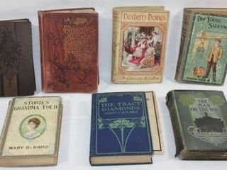 COllECTION OF 7 OlD VINTAGE BOOKS