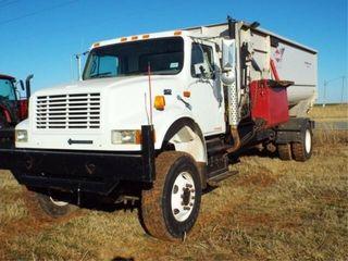 1997 International 4900 530 Power  4x4  Kuhn Knig