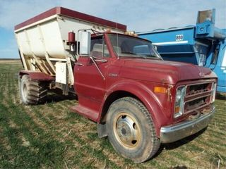 1969 Chevy C50 feed truck  shows 50709 miles Roto