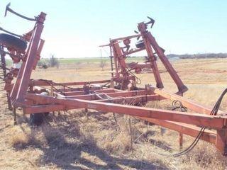 Hesston 2310 26  chisel  walking axle 18  sweeps