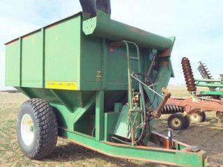 UFT Grain Cart 444  11  auger  18 4 26 tires