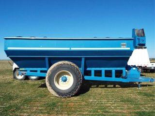 Kinze 800 Grain Cart  shurlock tarp  30 5l 32 tire