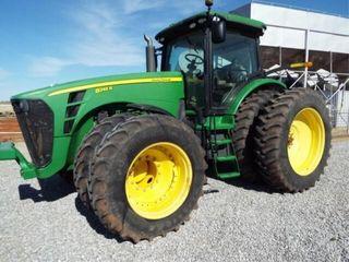 John Deere 8245R Tractor FWA    NO DEF