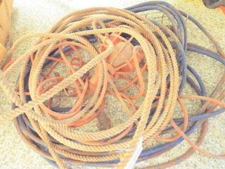 2 Trouble light   lasso rope