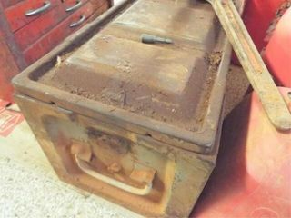 large puller and toolbox 11 x28 x12