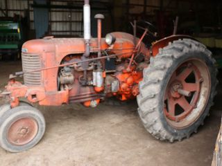 CASE SC TRACTOR WITH CASE 2R CUlTIVATORS