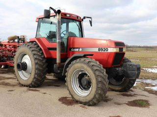 CASE IH 8920 MAGNUM MFWD TRACTOR  ONlY 4488HRS