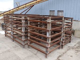 APPROX 35 32 X48  STEEl STANDS