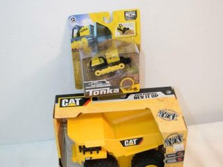 CAT Rev it UP   Tonka Bulldozer