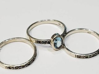 Silver lots Of 3 Ring Blue Topaz Marcasute Ring