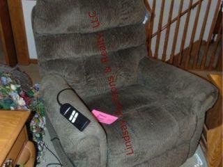 Elec Ashley Signature lift arm chair