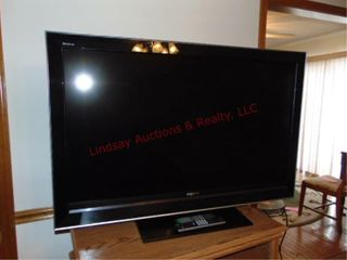Sony 46  flat screen tv w  remote