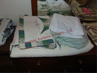 Quilt  2 pillow shams   2 flat sheet  King sizeIJ