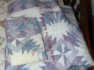 1 King size quilt   2 pillow shams