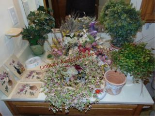 Decor  wall art  wreaths  pot w  faux plant   othr