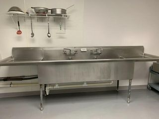 Stainless Steel 3 Bay Sink with Apron