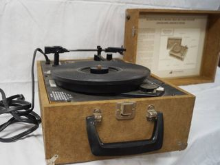 Very Nice Audiotronics Record Player  Plays RPM 33  45  and 78 s Records  Model  305A