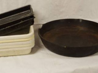 lot of 5 Trays and a Cast Iron Skillet