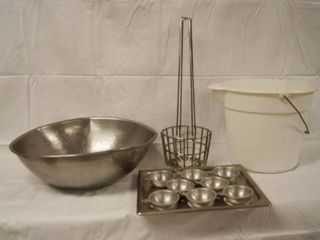 lot of Kitchen Items   Egg Cookers  Bowl and More