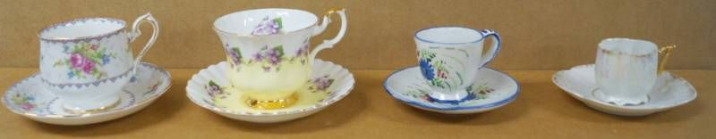 lot of 4 Vintage Tea Cups w  Matching Saucers   Bone China Enland  Italy    More  See Photos