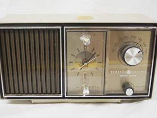 Vintage General Electric Alarm Clock Radio   Solid State   WOW