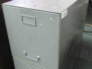 2 metal file drawers