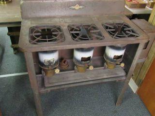 1932 Perfection kerosene 3 burner stove w  kerosene bottle   Model 393