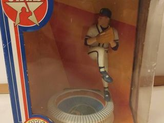 Tom Glavine Figurine 1994 NEW