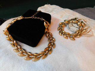 Vintage Goldtone Necklace