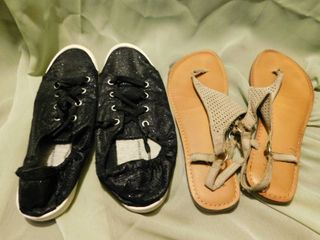 lot of Women s Shoes SZ 9 10