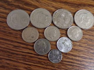 10 FOREIGN COINS
