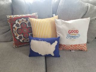 lot of Four PIllows  Good Morning Beautiful  US Blue  Stiched  Bee