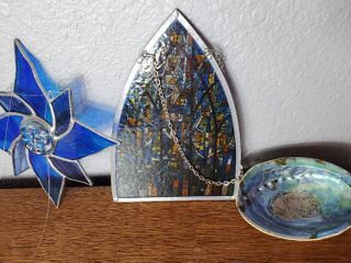 lot of 3 Beautiful Home Decor Pieces  Opalescent Sea Shell  STAIN glass Sun and And More