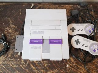 Super Nintendo Entertainment System with Two Controllers  Untested