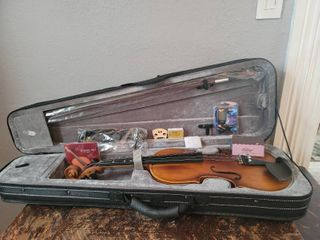 Eastar Violin in Case with Accessories and Case   Appears New