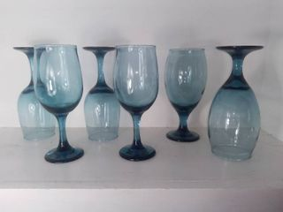 lot Of 6 Sky Blue Water Goblets   4 Water Goblets   2 Wine Goblets