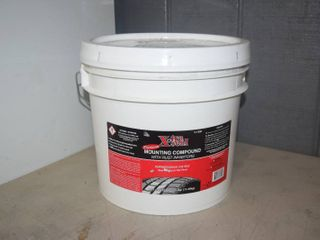 25 Pounds Xtra Seal Premium Mounting Compound with Rust Inhibitors