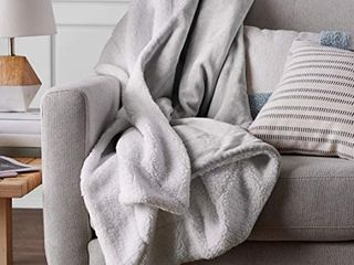 Amazon Basics Ultra Soft Micromink Sherpa Blanket   Full or Queen  Grey