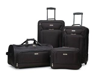 American Tourister FieldBrook Xlt 4PC luggage Set  BIG CASE HAS RIP