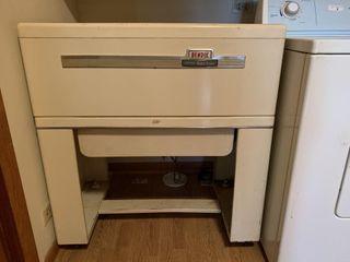 Bendix   Automatic Home Ironer