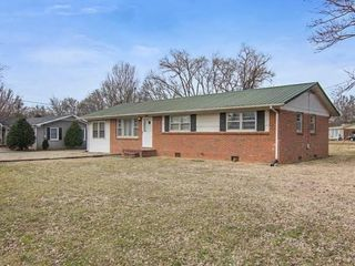 1427 Sherrill Blvd - Live Absolute Real Estate Auction