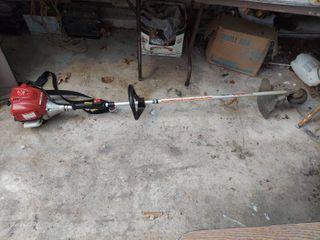 Honda HHT35S String Trimmer   4 Stroke