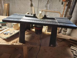 Craftsman Router with Table