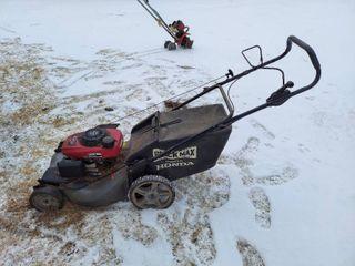 Black Max Self propelled lawnmower with Honda Engine